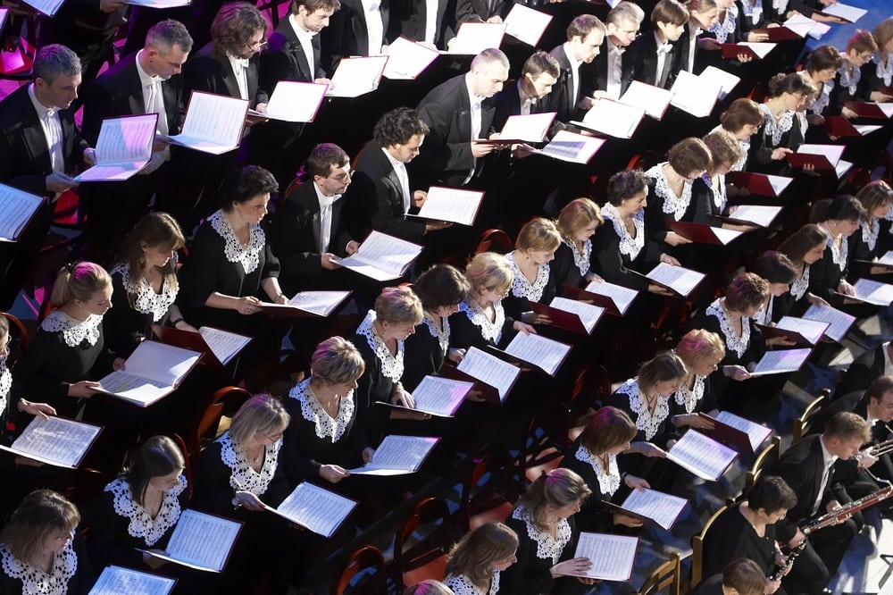 Put the whole choir behind your message