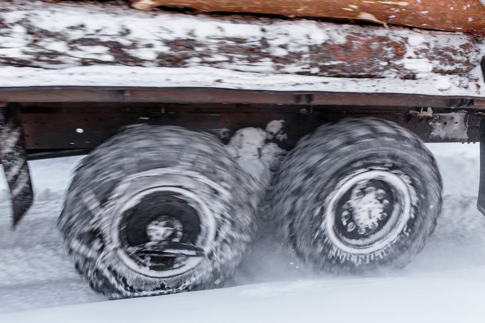 spinning-wheels-in-the-snow